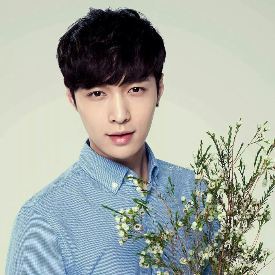So handsome lay♡♡♡♡♡