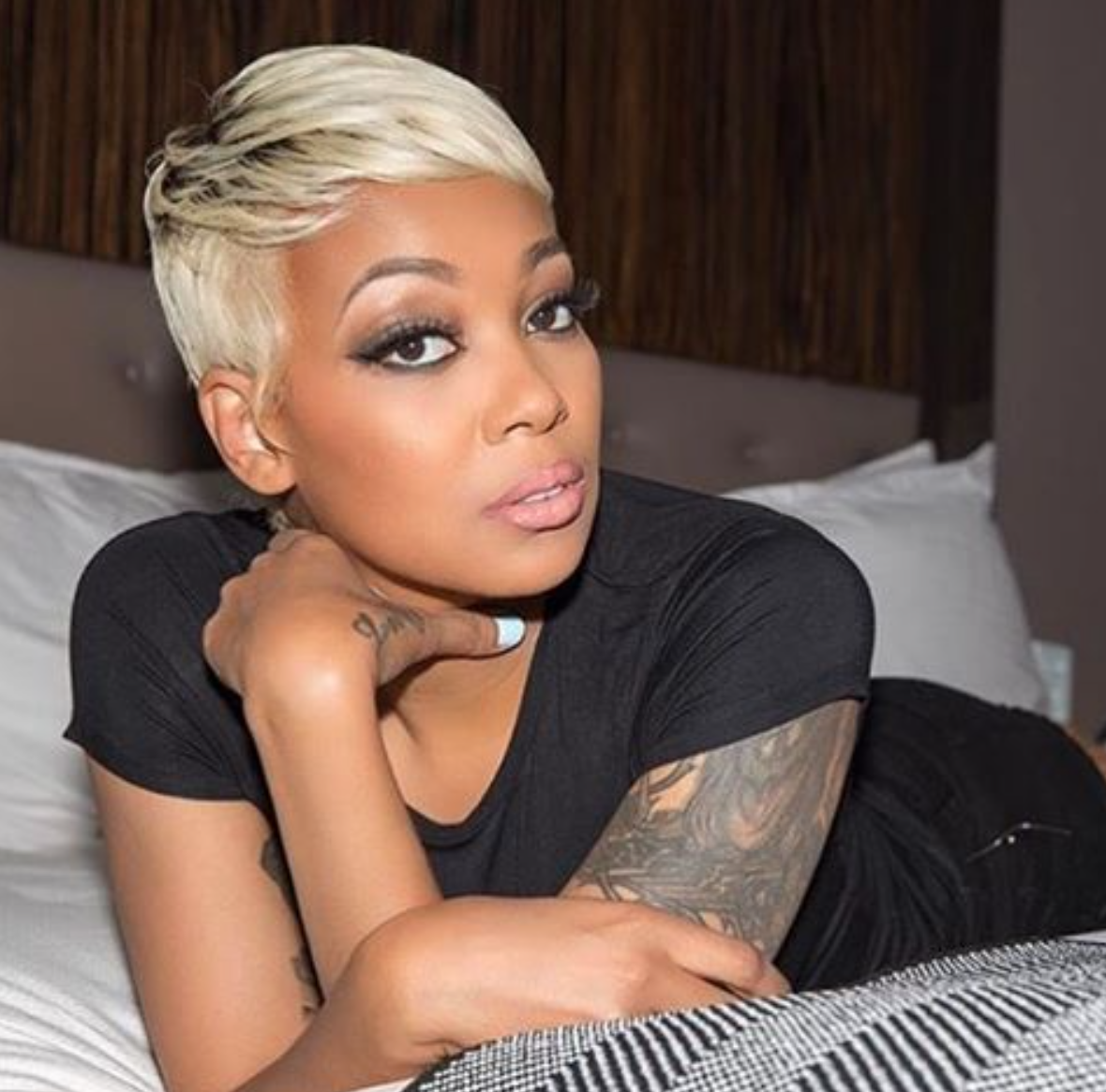 Monicabrown Kills This Blonde Pixie Https Blackhairinformation Com Hairstyle Gallery Monicabrown Kills Blo Short Hair Styles Pixie Sassy Hair Hair Styles