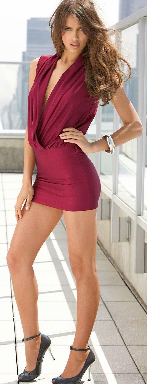 Sexy Beine in kurzen Röcken