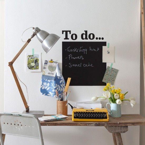 Wohnideen Arbeitszimmer Home Office Büro - Büro zu Hause mit Tafel - der arbeitsplatz zu hause