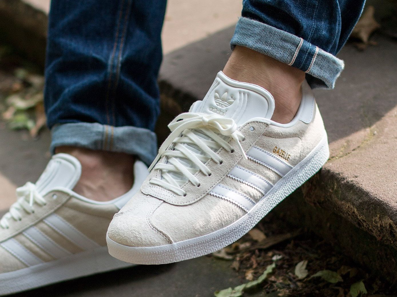 adidas gazelle gold metallic