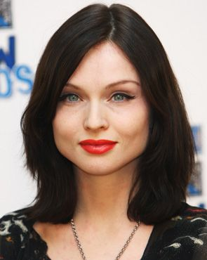 7 Best Hairstyles for Long Faces from Celebs - How to Find ...