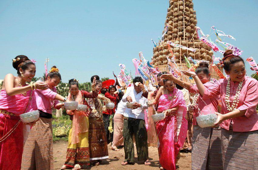 Fotostrecke Bild 8 Bangkok (Thailand) Wasserfest
