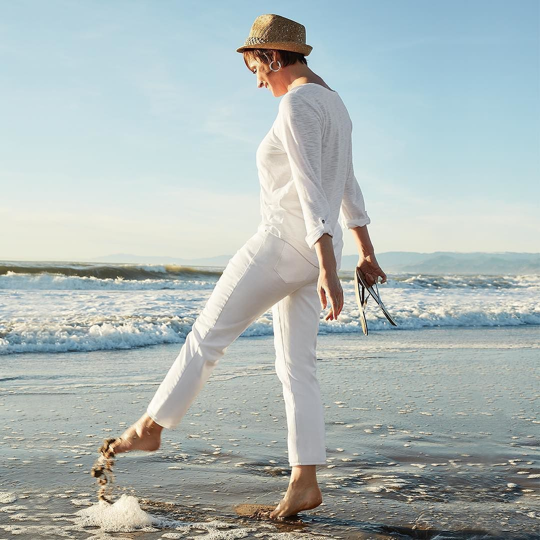 Make waves this #weekend in head-to-toe white. Tap the link in our bio to shop all the new weekend looks.