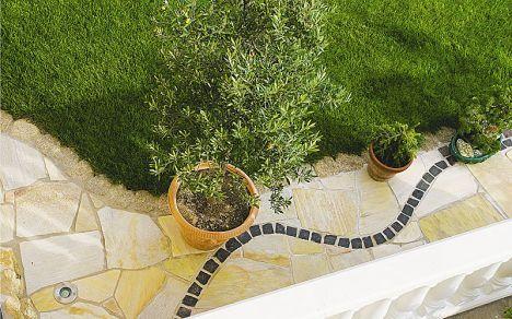 Terrasse Oder Weg Mit Gelben Quarzit Polygonalplatten Gartenideen