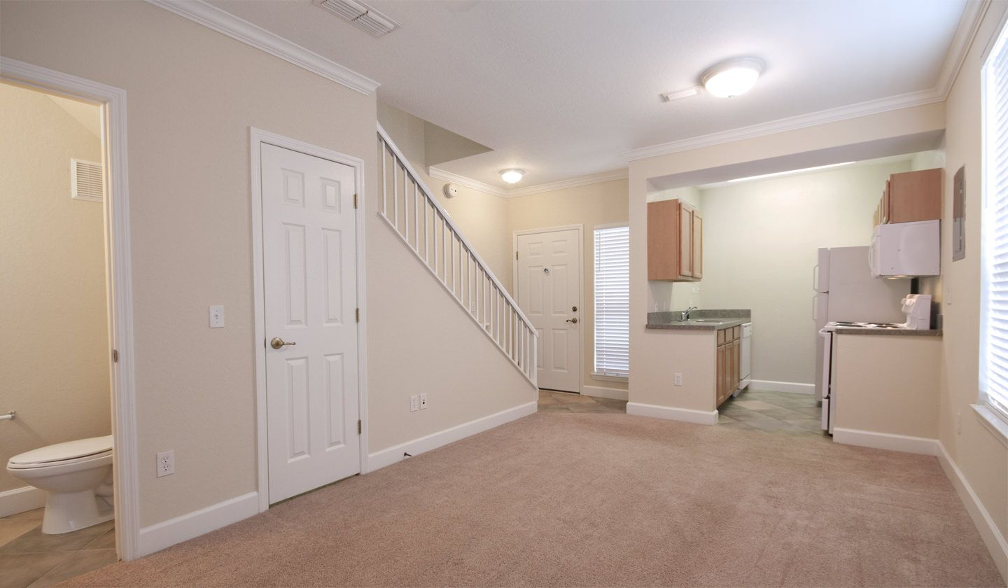 Living Room at Heritage Oaks Luxury Apartments in