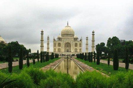 Honeymoon Places in India in December : Agra:
