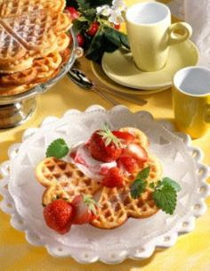 Buttermilch-Waffeln mit Erdbeeren (Diabetiker)