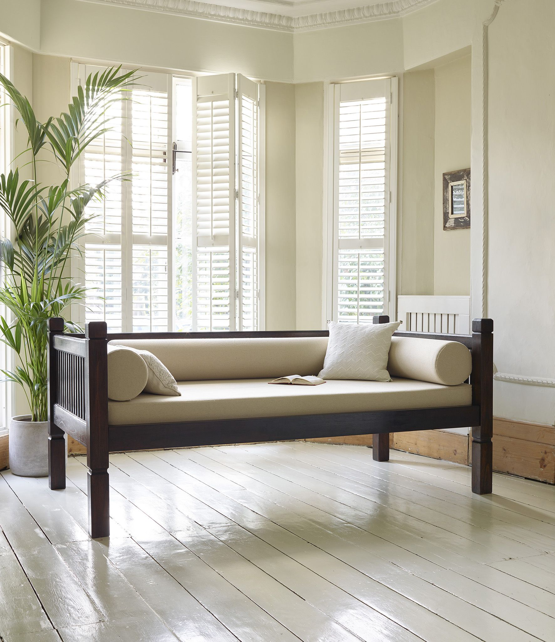 Best Our Keraton Carved Day Bed Has Been Hand Carved From Solid 640 x 480