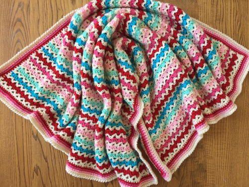 Little Flower Granny V-Stitch Blanket | Patrones de mantas, Manta y ...