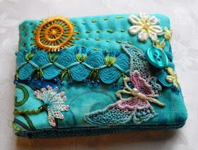 Raviolee Dreams: A new blog header and another needle book