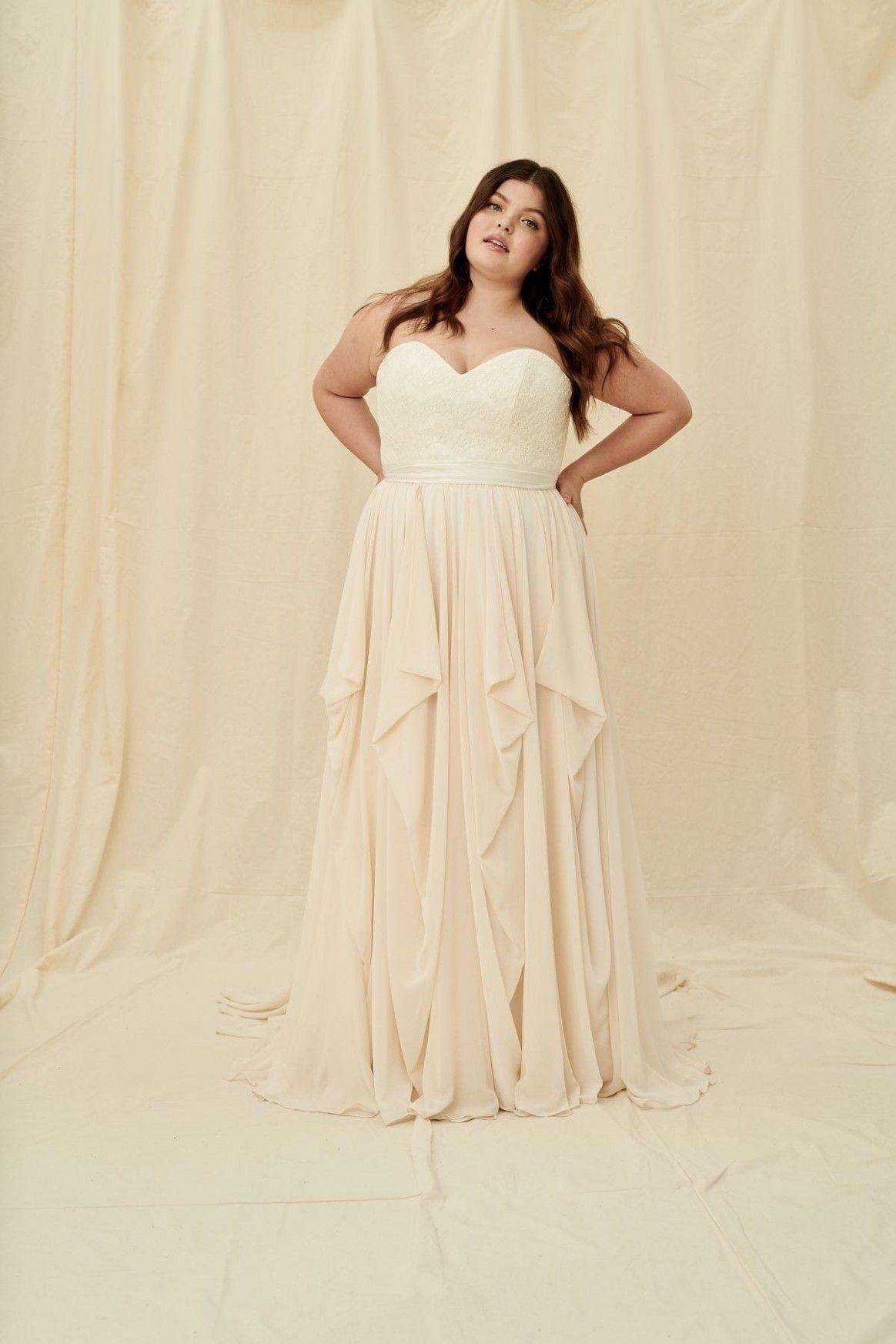 Plus Size Wedding Dress Calgary [ 1746 x 1164 Pixel ]