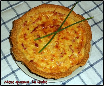 Quiche lorraine mira la receta en http://mesequemalaleche.blogspot.com.es/2012/11/quiche-lorraine.html