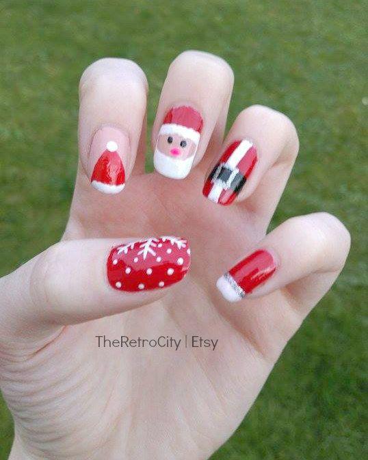 Christmas Nail Art Santa Claus Snowflakes Festive By Theretrocity Christmas Nail Art Nail Art Acrylic Nail Set