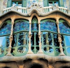 Discover Gaudí's architectural vision in Casa Batlló