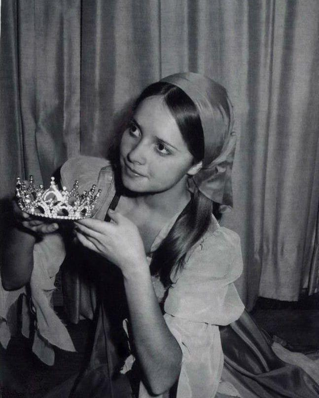 240ec11a81dc6e Квітка Цісик у головній ролі у балеті-казці Попелюшка 1967 р ...