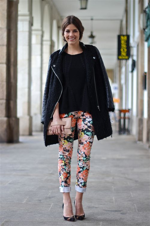 floral jeans....not a fan of florals but this outfit is too cute
