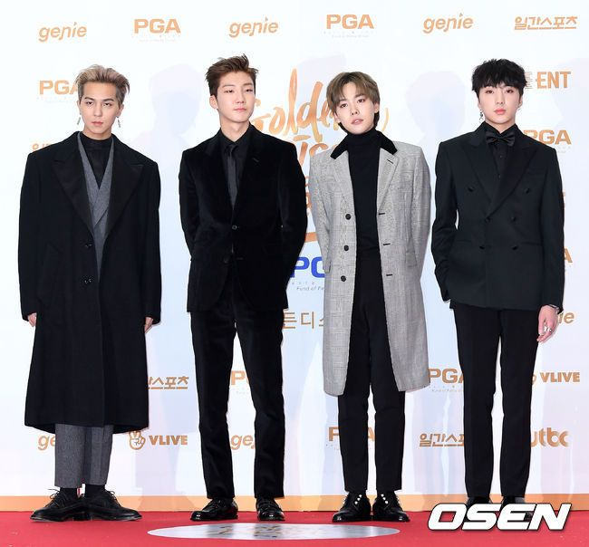G Dragon Farah Thekoreanbigbang  Winner At Golden Disk Yg Entertainment Pinterest Yg Entertainment And Golden Disk Awards