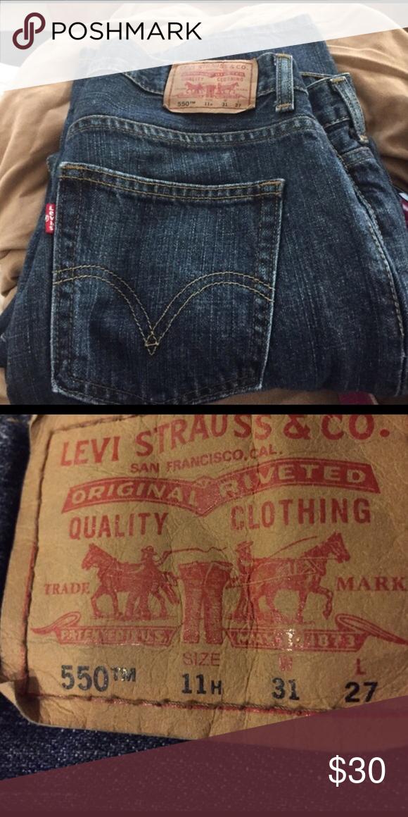 Levi jeans Super cute just too big for me Levi's Pants Straight Leg