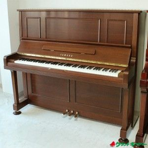 YAMAHA U300Wn I'm thinking my husband should buy me this for our 15 yr anniversary ;-)