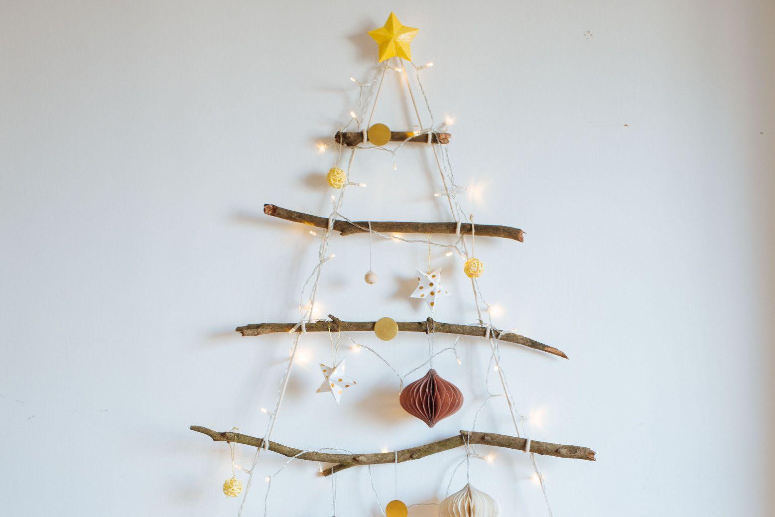 Diy Branch Christmas Tree 7 In 2020 Diy Hanging Christmas Tree Diy