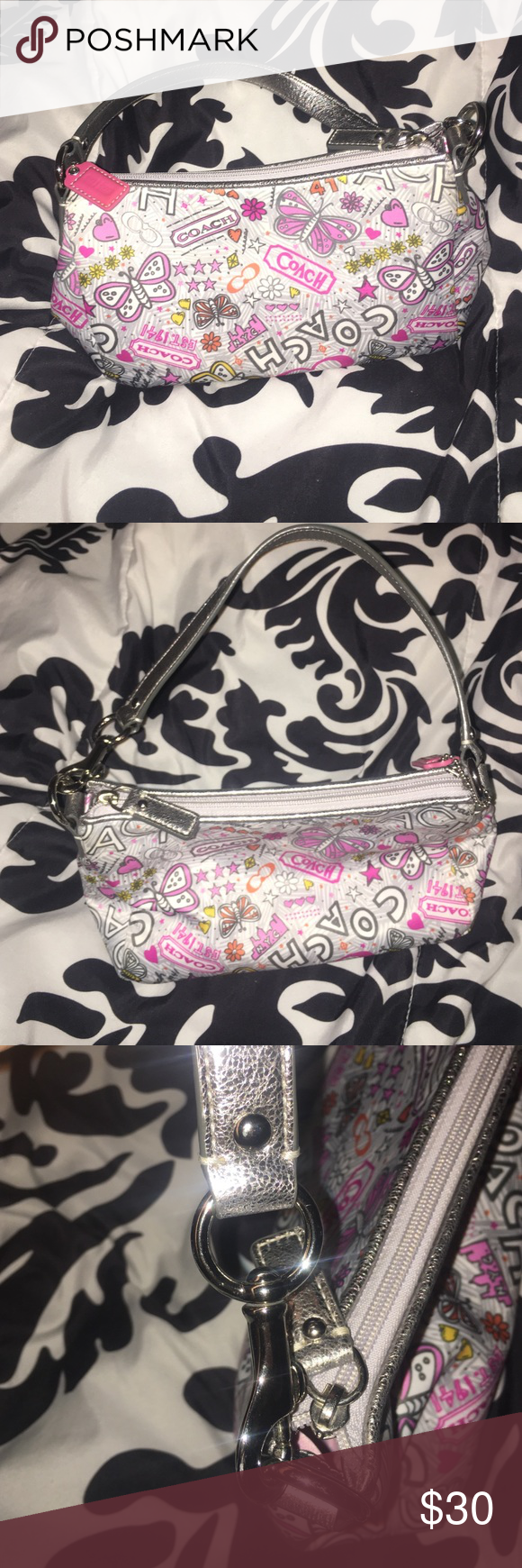 Coach Purse Never used & looks brand new, in a great condition!! The purse is a smaller size. 🛍💖🎀 Coach Bags