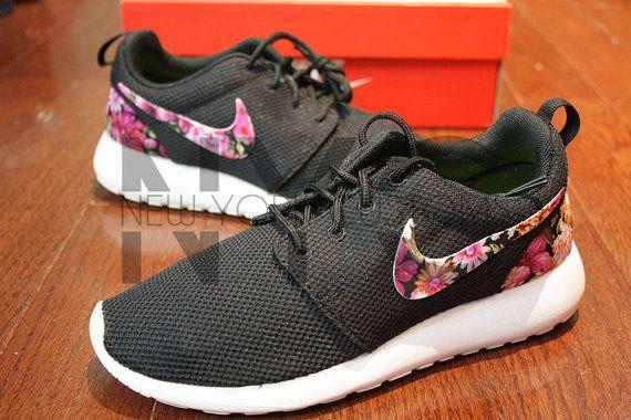 Nike Roshe Run Flower Print