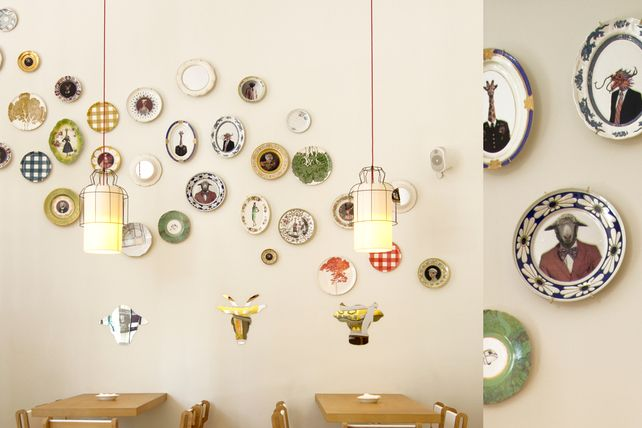 plates on the wall - love em