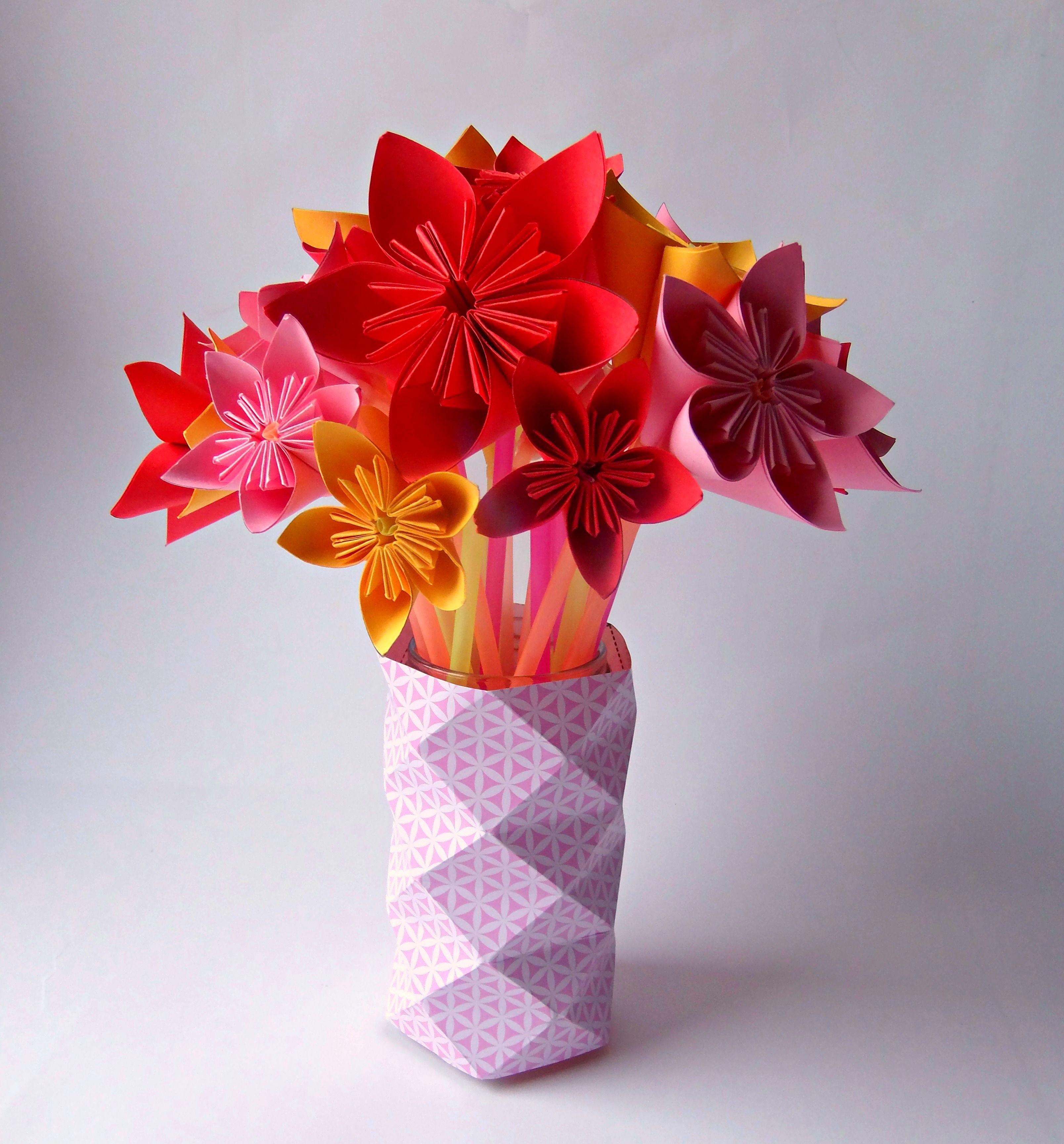 Букет цветов из бумаги оригами
