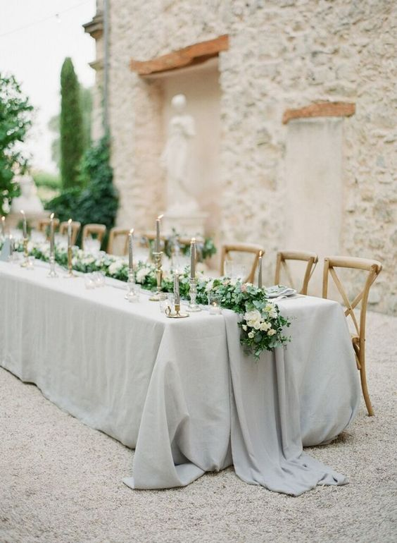 25 classy ideas for a white/grey wedding theme