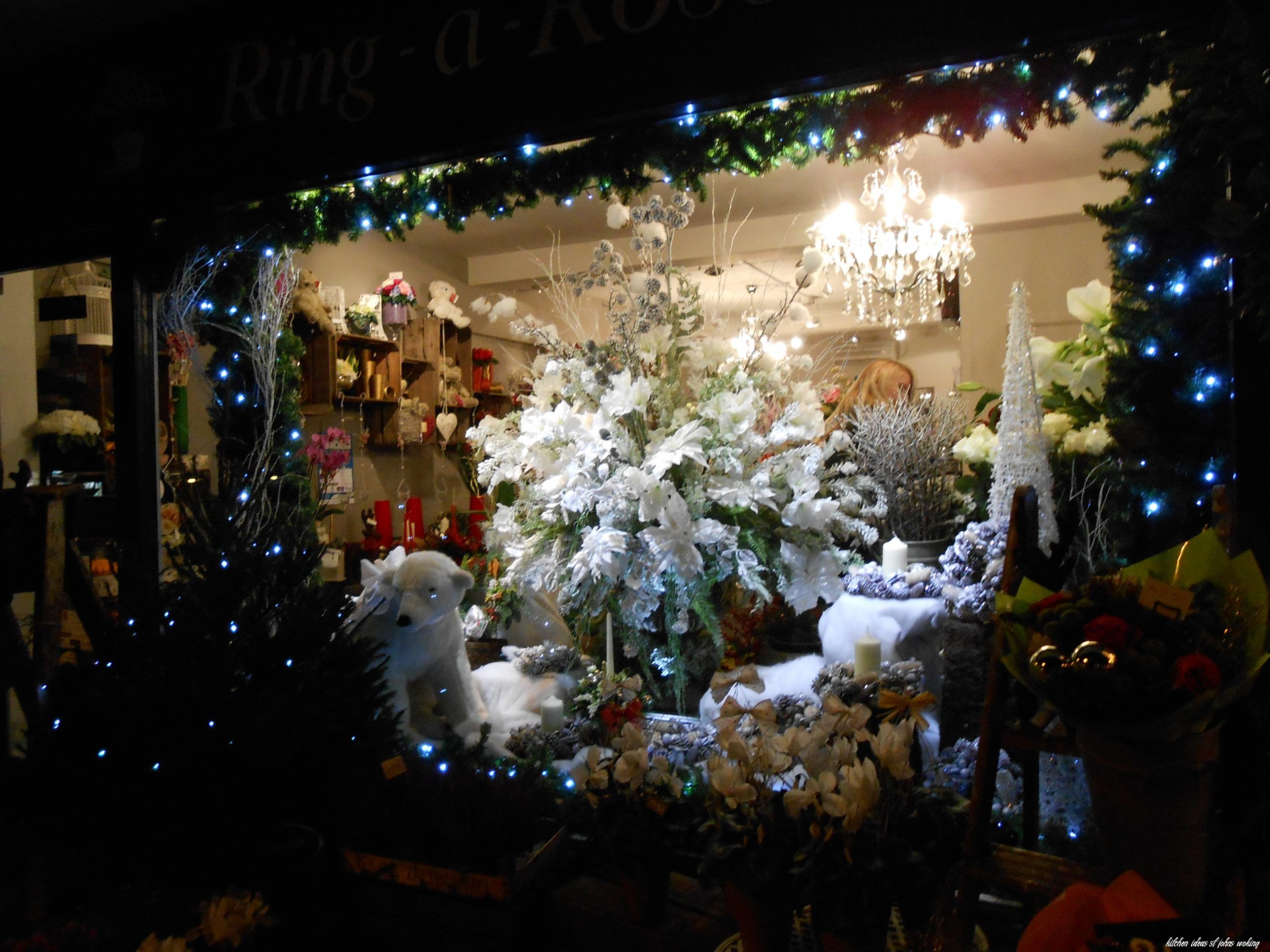 9 Kitchen Ideas St Johns Woking In 2020 Holiday Decor Christmas Tree St John