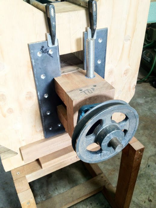 My DIY Bandsaw - 4th Shopmade Woodworking Tool #3: Making the Wooden ...