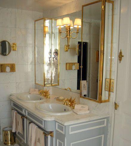 Paris - Hôtel Ritz - Style Baroque - Intérieurs - Salles De Bain