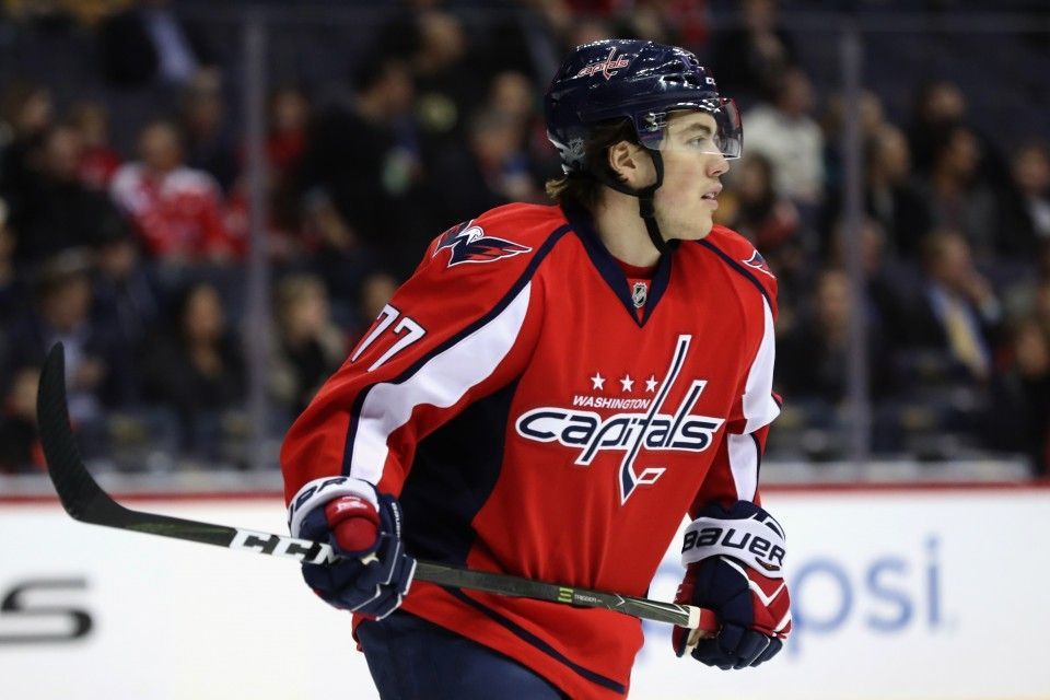 In T J Oshie S First Game Back After Shoulder Injury Shifts Are Kept Short Washington Capitals Hockey Capitals Hockey Washington Capitals
