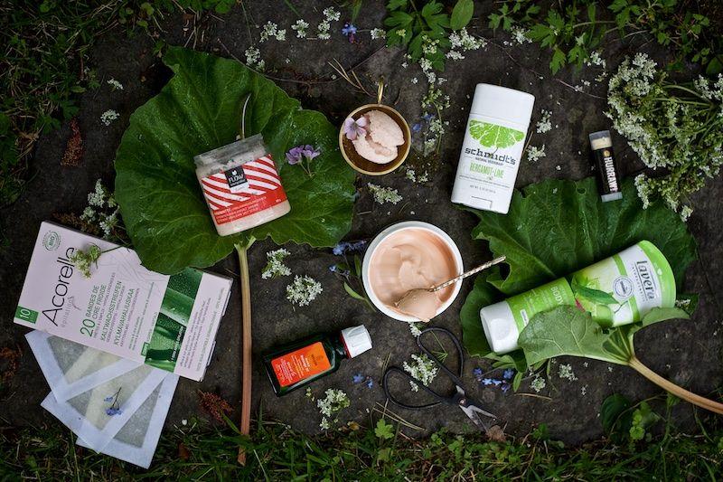 Weleda, Lavera, Schmid'ts, Acorelle, FLOW-kosmetiikka ja Mádara tarjoavat parasta kesäihonhoitoa. Luonnonkosmetiikkana tietysti.