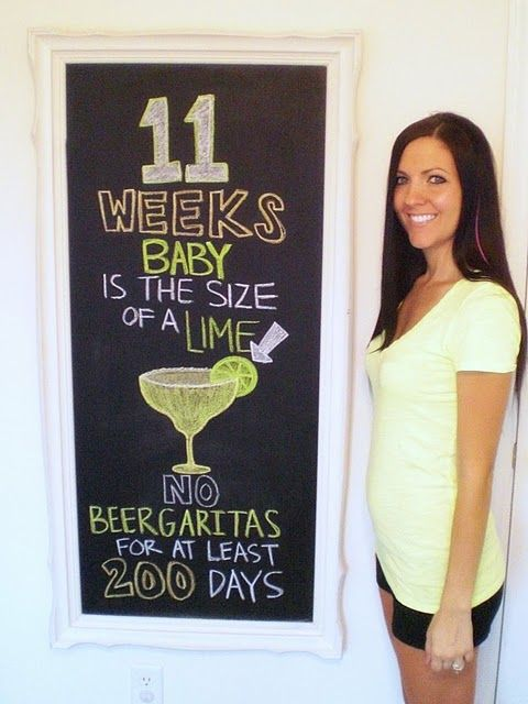 Baby Bump - Week by Week via Chalkboard