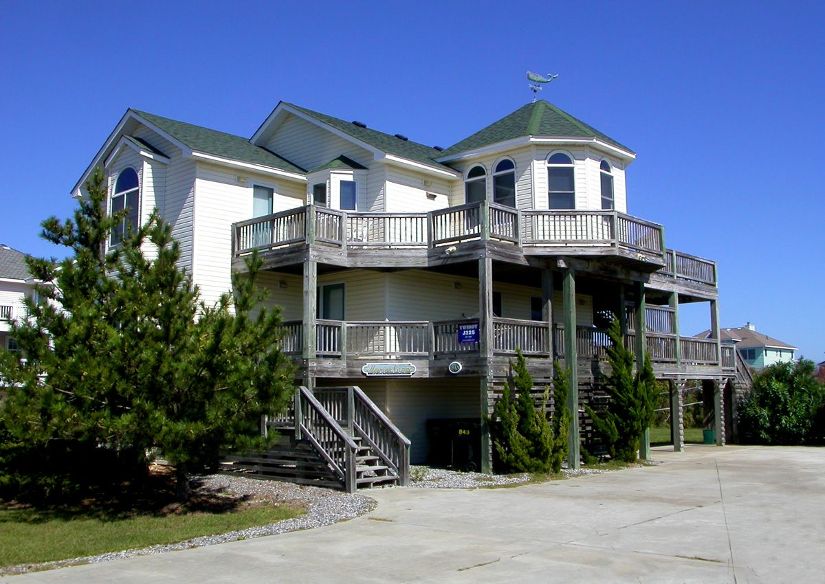 Morning Glory Ii J30843 Is An Outer Banks Oceanside Less Than 500ft Vacation Rental In Whalehead Corolla Nc T Outer Banks Vacation Vacation Home House Styles