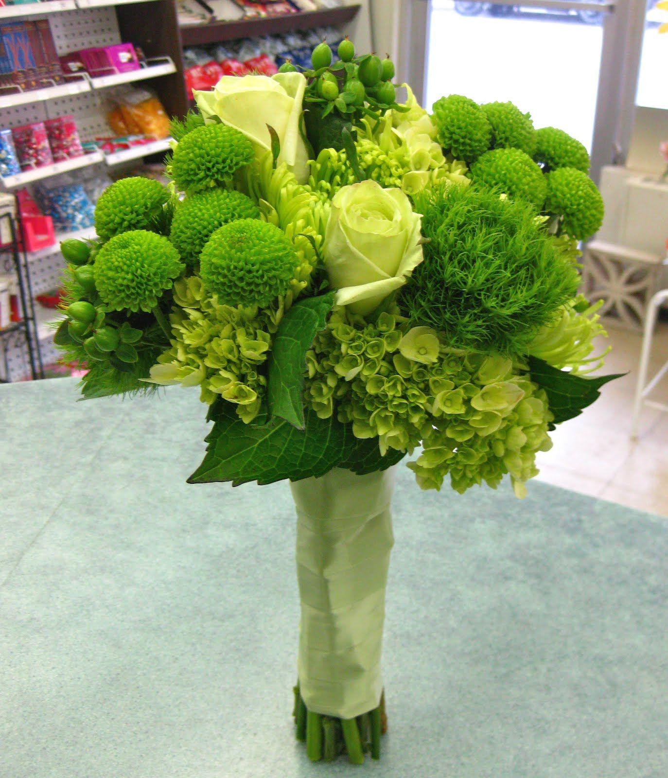Green flower arrangement - Green Trick Dianthus