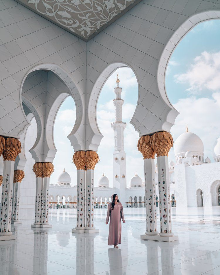 10 Things You Need To Know Before Visiting The Sheikh Zayed Mosque