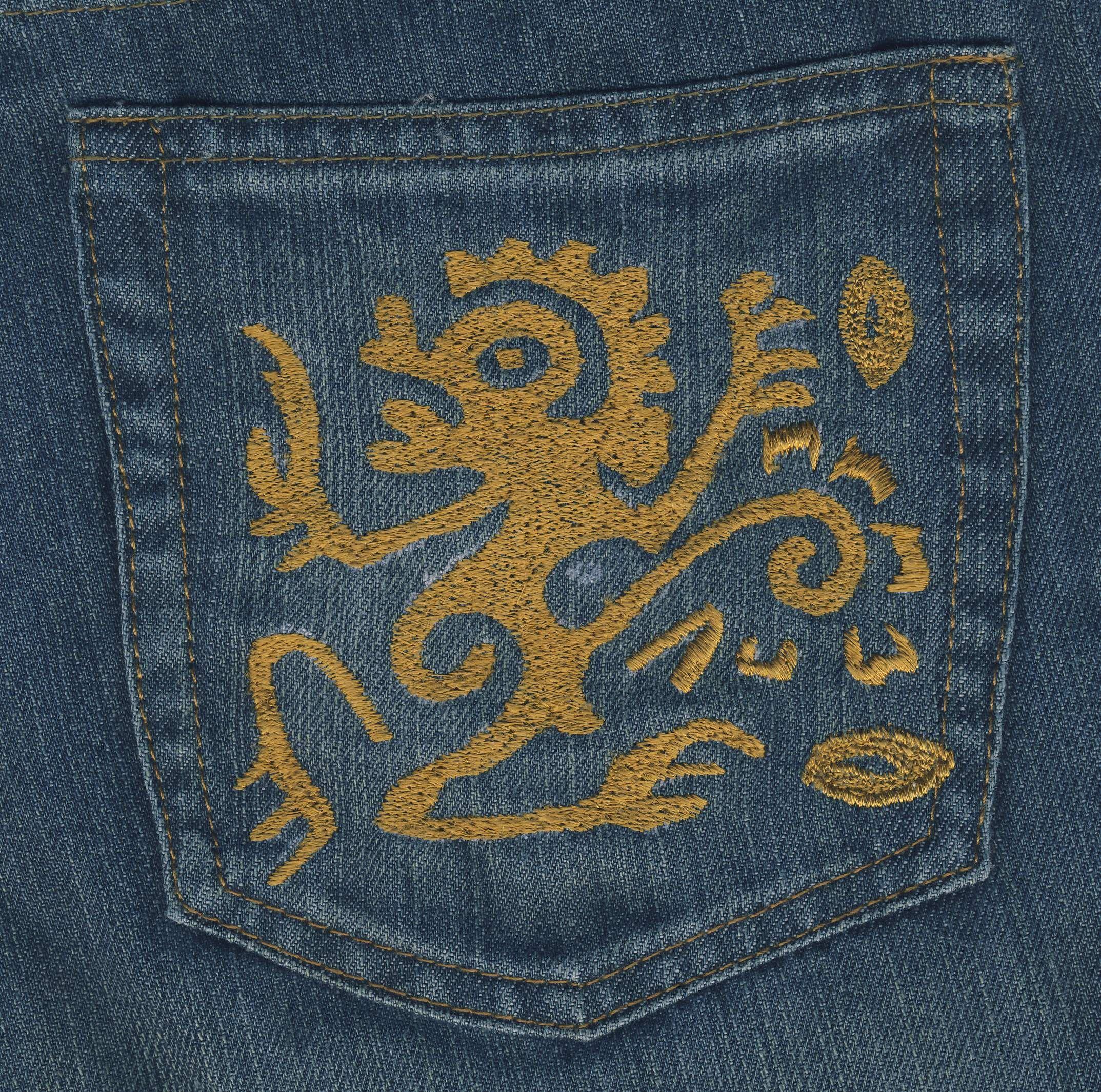 EmbroideryTatooh13140.JPG (2147×2130)