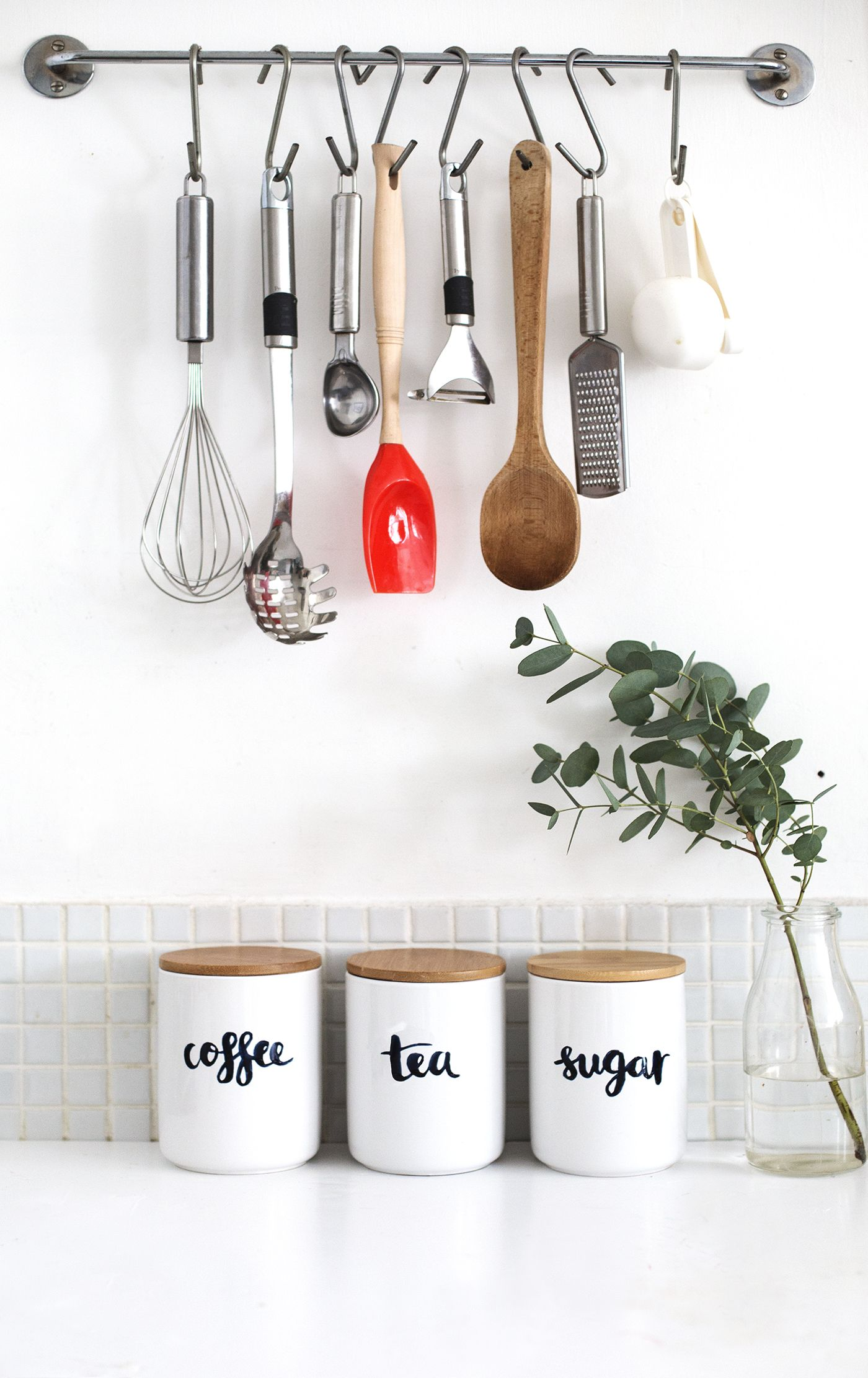 Organize your kitchen with this creative upcycled DIY storage ...