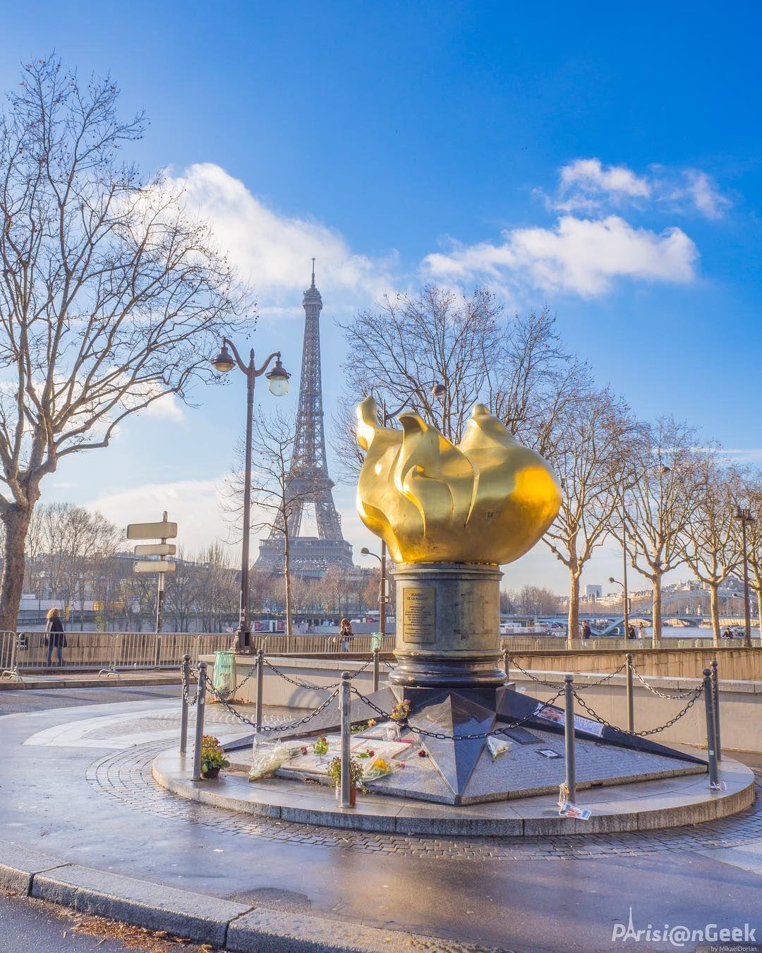 Flamme Pont De L Alma : flamme, Flamme, Liberté,, Réplique, Flambeau, Statue, Liberté, L'Alma, Paris, Eiffel,, France,, Eiffel