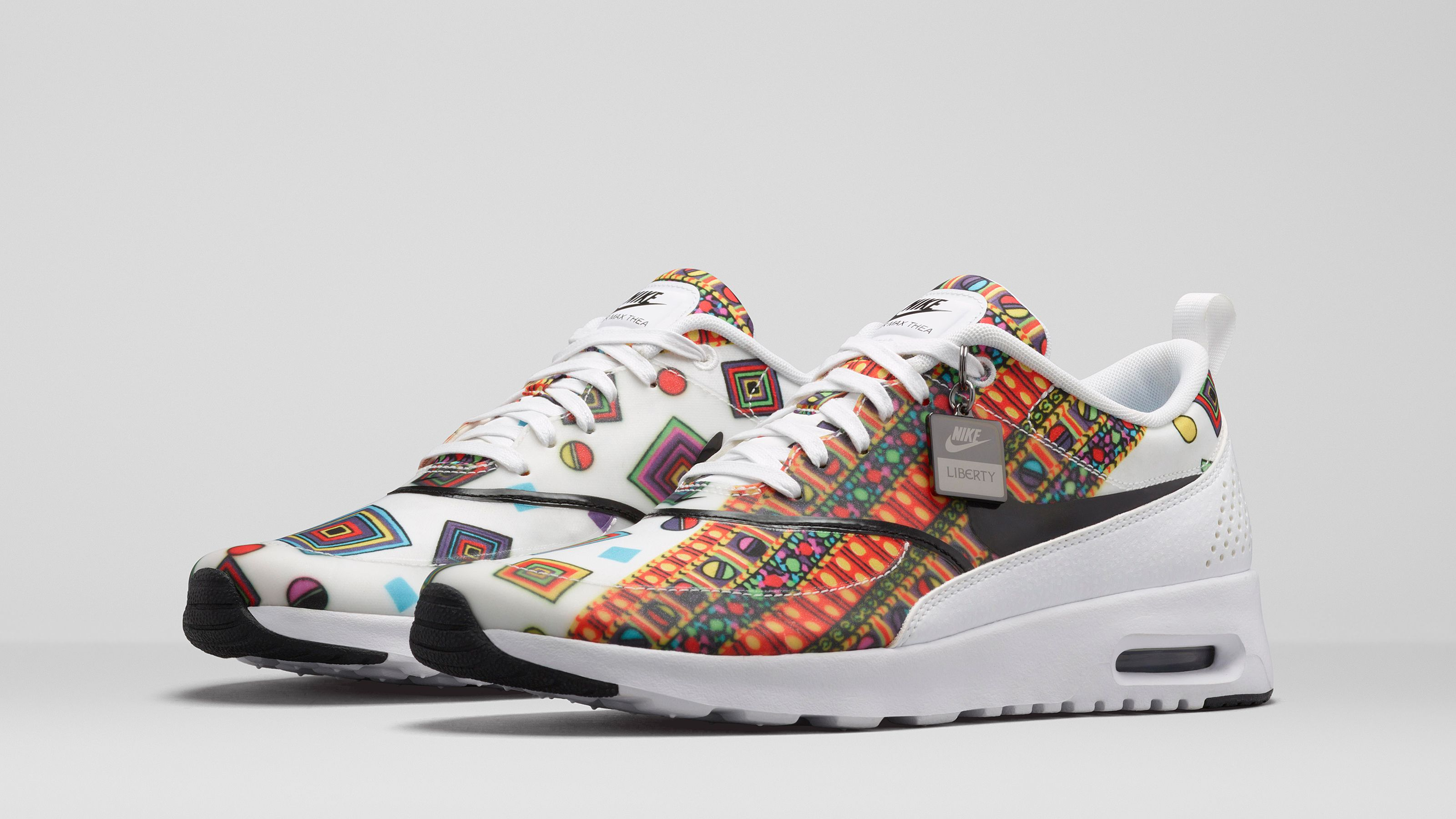 nike air max 1 liberty multicolor background