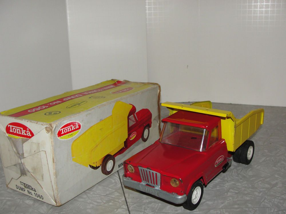 Vintage Tonka Jeep Gladiator Dump Truck In The Box