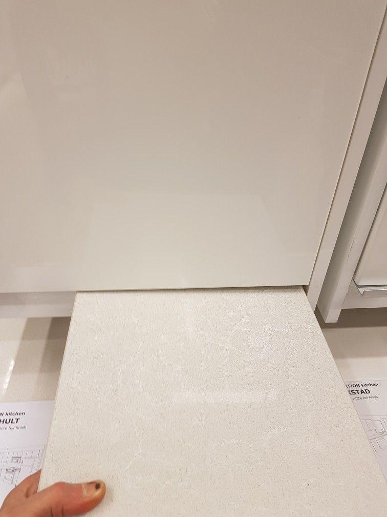 Quartz Cosmopolitan White (Ikea calls it Kasker), slight