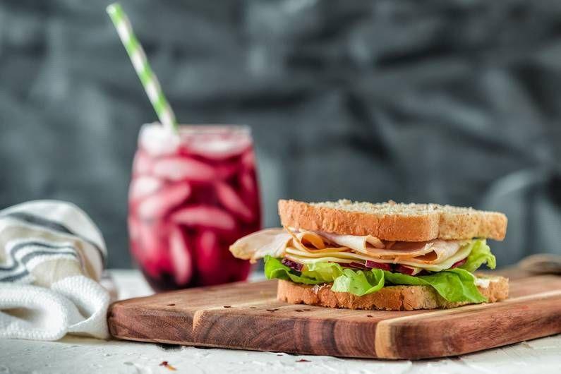Abnehmen: Die 5 häufigsten Fehler beim Mittagessen  – Diät & Abnehmen