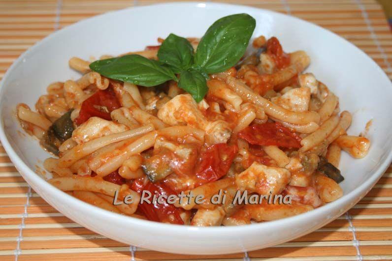 Pasta Con Pesce Spada Melanzane E Provola Affumicata Italian Foods