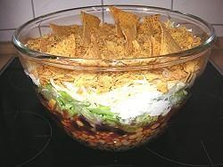 Leckerer Nacho-Salat (mexikanischer Schichtsalat) - Rezept