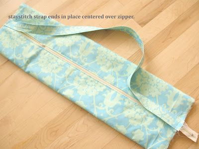 Modest Maven: Yoga Mat Bag Tutorial | DIY | Pinterest | Faden, Nadel ...