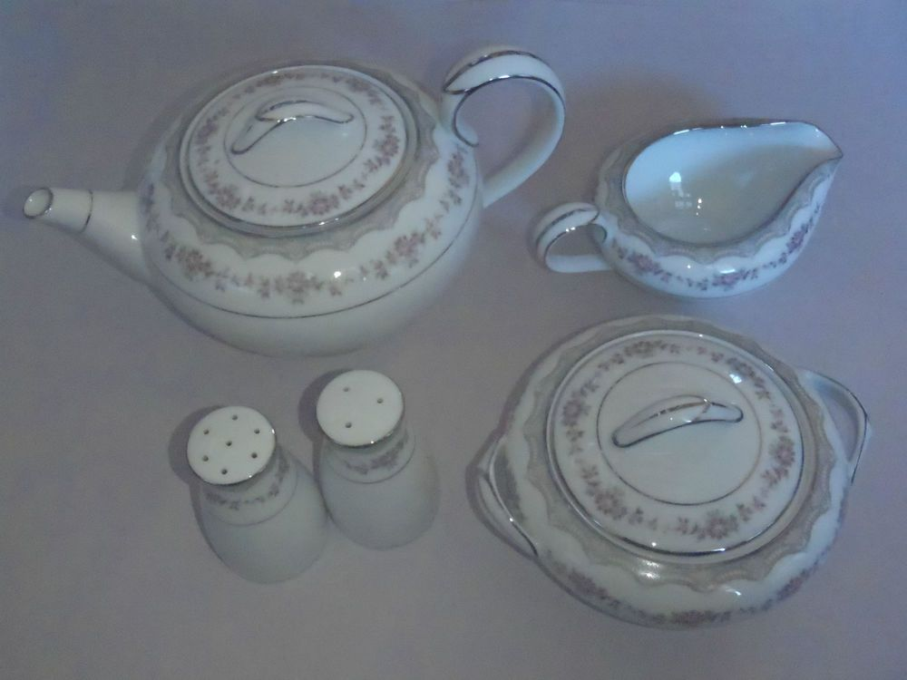 60 Piece Vintage Noritake Dinner Set